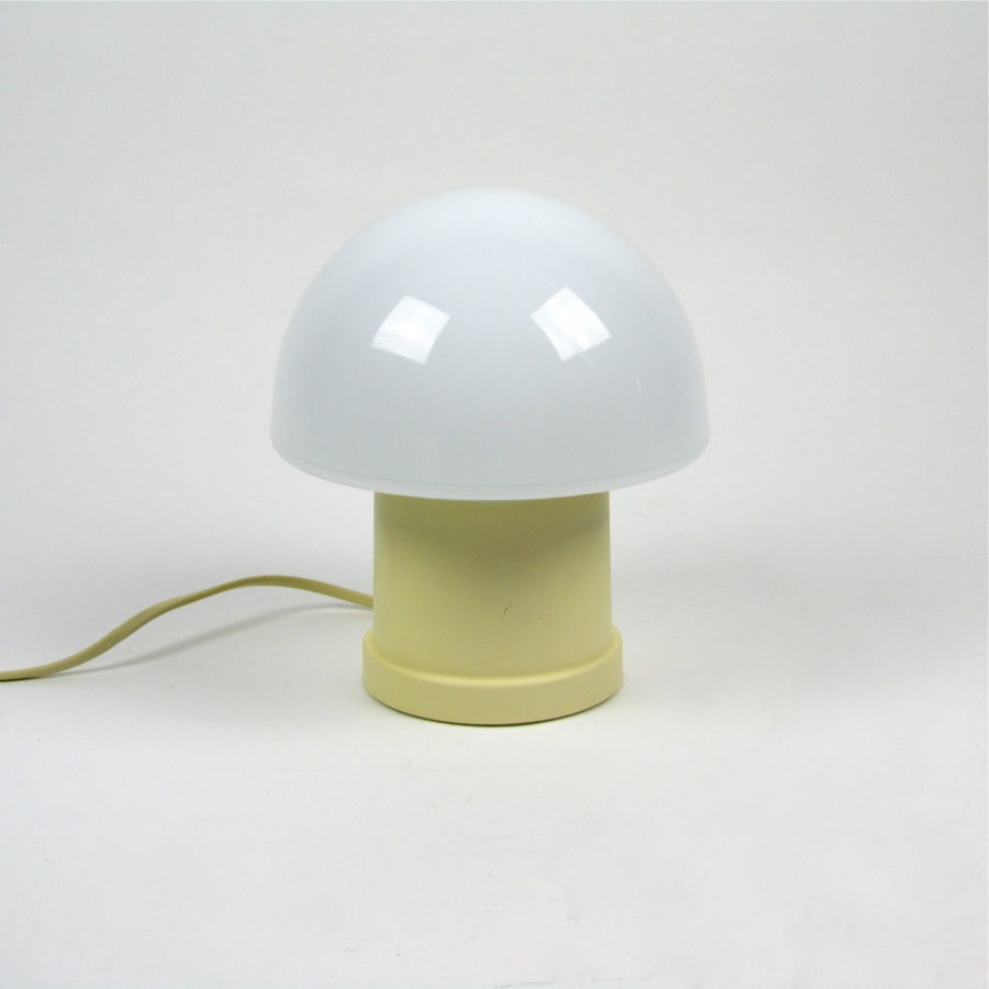 Vintage Table Lamp Article 112518