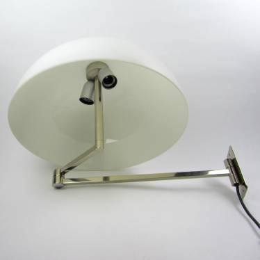 Italian wall lamp small detail A