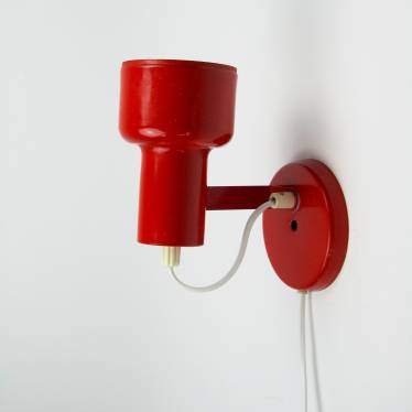 Red Anvia wall lamp